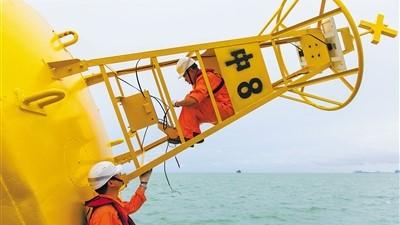 海南琼州海峡航标全部更换为北斗设备